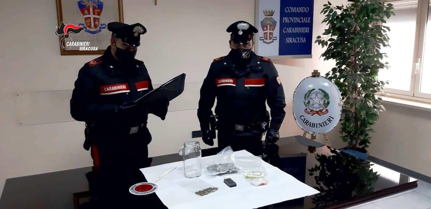 La droga spedita a mezzo pacchi postali o corriere: catanese denunciato per spaccio