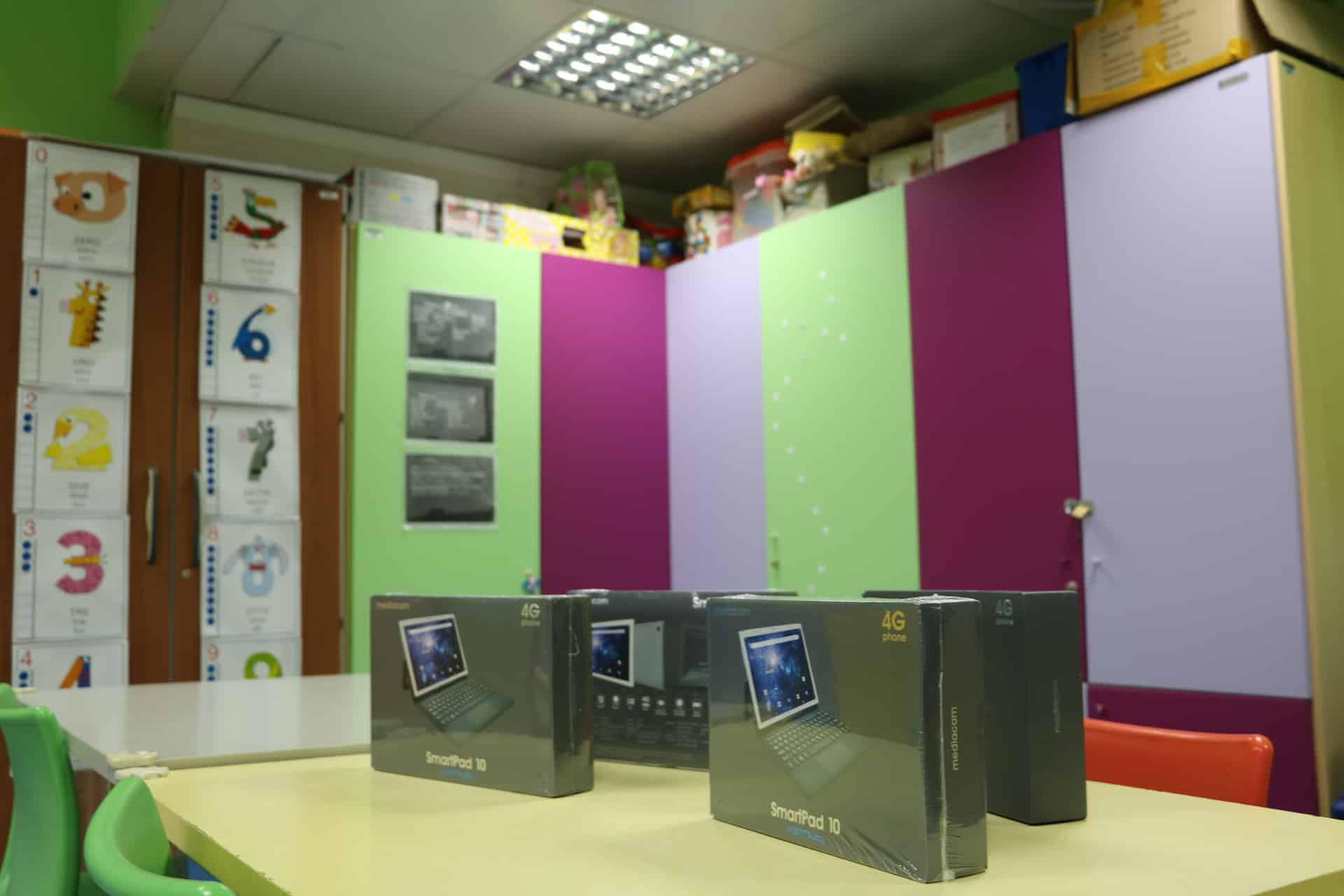 Ospedale Cannizzaro, tablet per didattica a distanza e giochi ai piccoli ricoverati: i doni di Sostare al reparto Pediatria