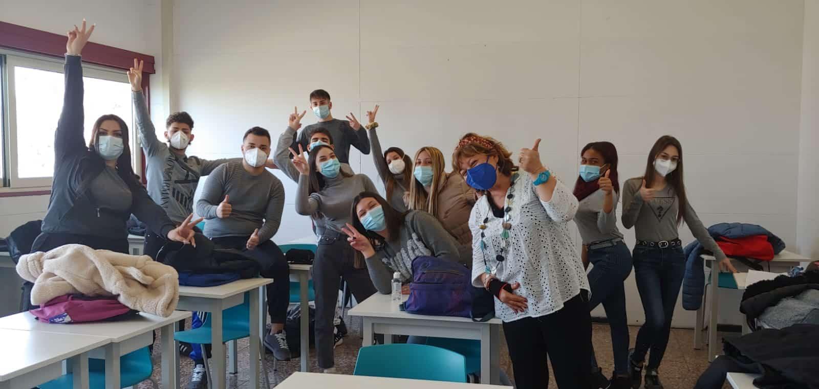 """IPSSEOA """"Karol Wojtyla"""" di Catania, studenti di nuovo a scuola ed è un'esplosione di energia – Le FOTO"""