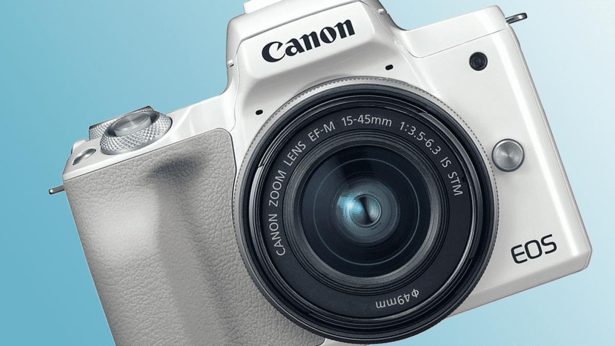 Canon lancia EOS M50 Mark II: la mirrorless 4K compatta per gli youtuber, i tiktoker e gli instagrammer