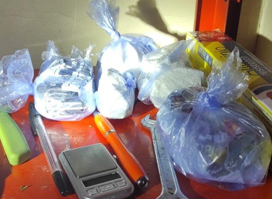 Catania, agenti in condominio per lite e scoprono oltre 1.500 chili di droga: arrestato 25enne