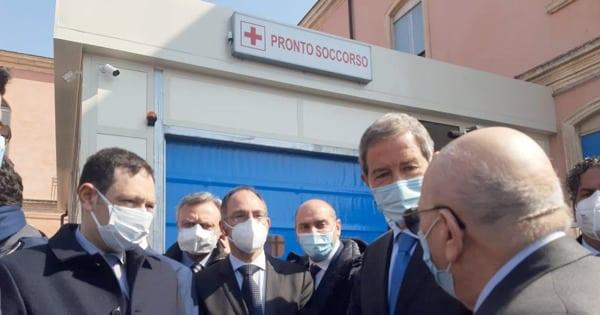 """Bronte, è finalmente attivo il nuovo Pronto Soccorso. Musumeci: """"Rivitalizzare gli ospedali periferici"""""""