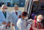 Ospedale San Marco di Catania, la signora Nada vaccinata a 97 anni in ambulanza