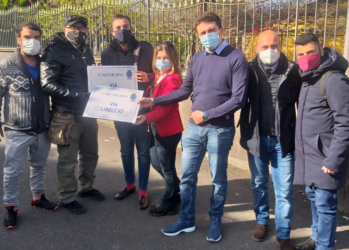 Catania, Giovani Democratici donano cartelli toponomastica al Comitato Civico di Vaccarizzo