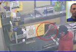 Spaventosa rapina nel Catanese, malvivente entra al supermercato MD con un enorme coltello – il VIDEO degli attimi di paura