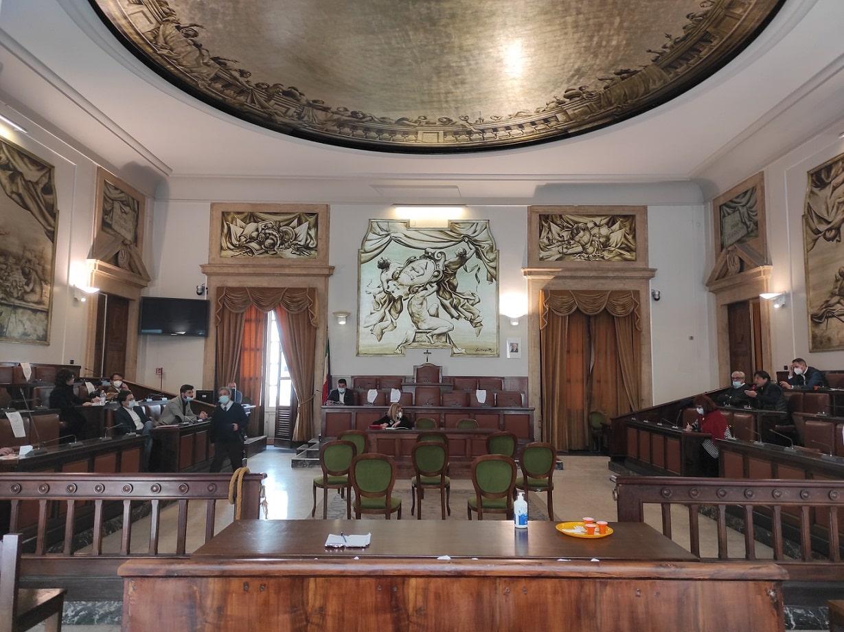 """Discarica Lentini """"al completo"""", dibattito in consiglio comunale a Catania: tra i dubbi le conseguenze in termini di costi e disagi"""