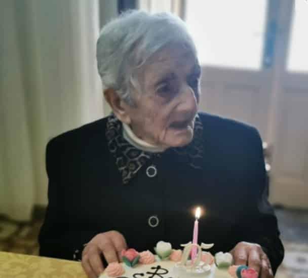 I 105 anni di nonna Concetta, gioia a Salina: è tra le più anziane d'Italia