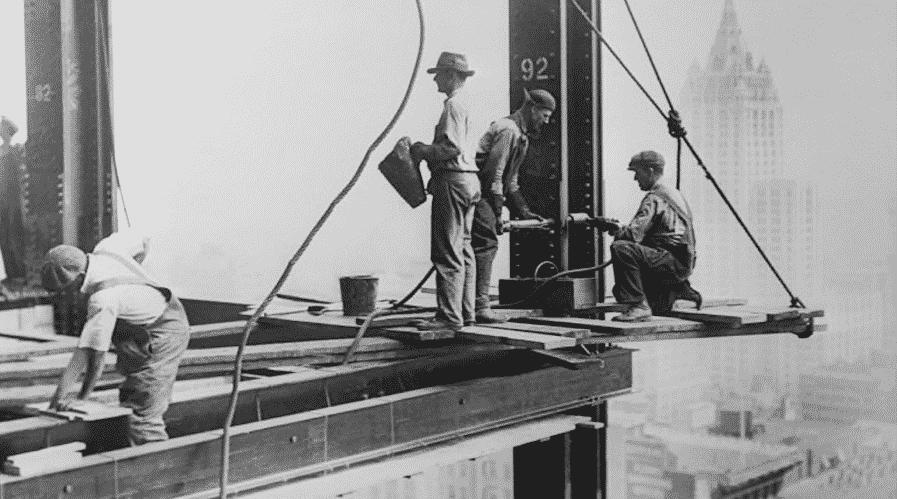 Succedeva 90 anni fa: l'1 maggio 1931 veniva inaugurato l'Empire State Building, il grattacielo da record