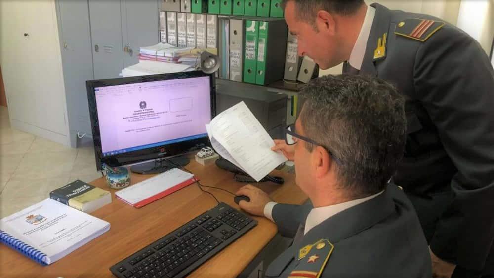 Catania, due arresti e 47 denunciati dalla Guardia di Finanza per produzione di crediti fittizi – VIDEO
