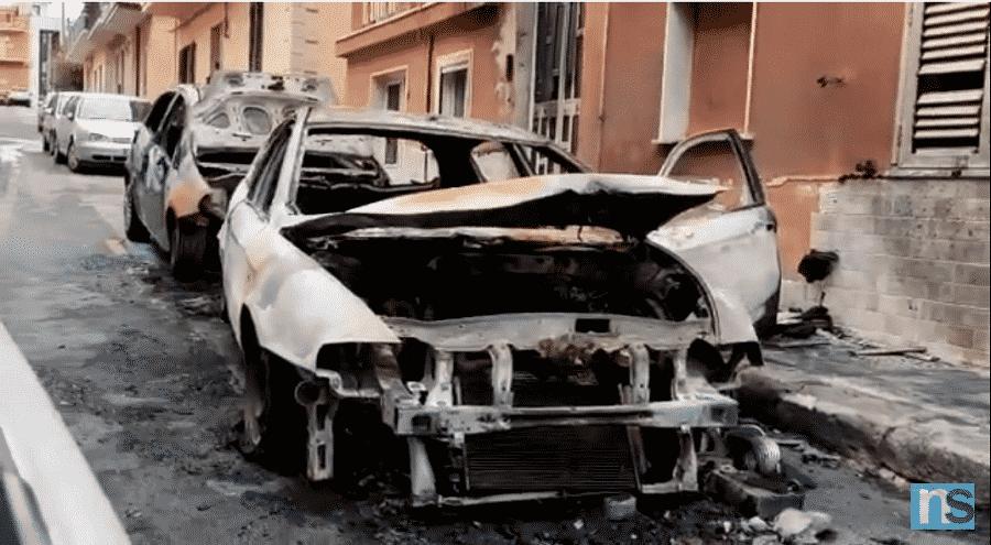 Incendio a Pachino, due auto in fiamme in via Geraci: anziani e figlio disabile intossicati – VIDEO