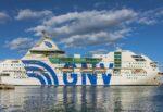 """Migranti, finita la quarantena per i rifugiati a bordo della nave """"Rhapsody"""": c'è lo sbarco a Porto Empedocle"""