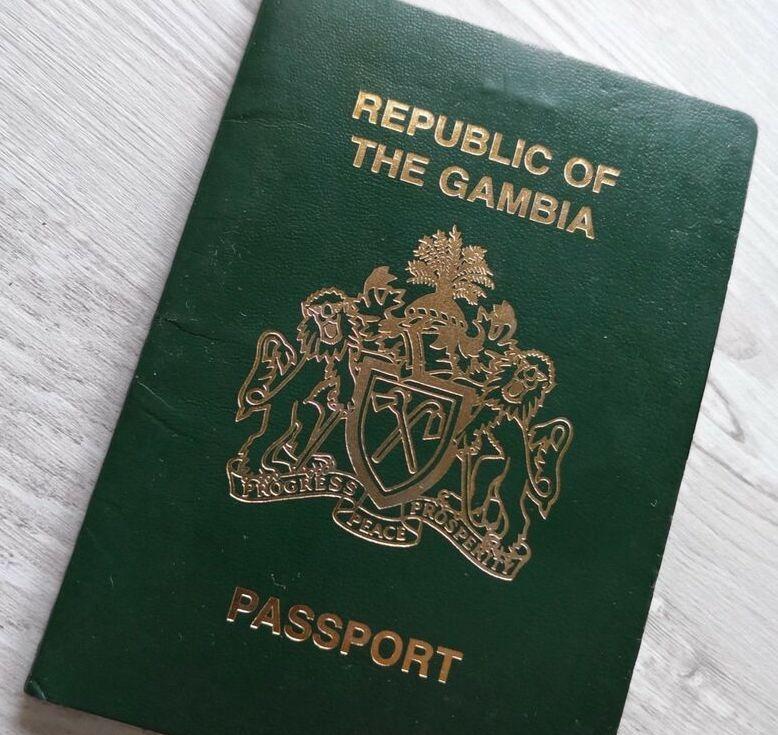 Enna, richiede rinnovo permesso di soggiorno ma il passaporto è falso: arrestato 21enne cambiano