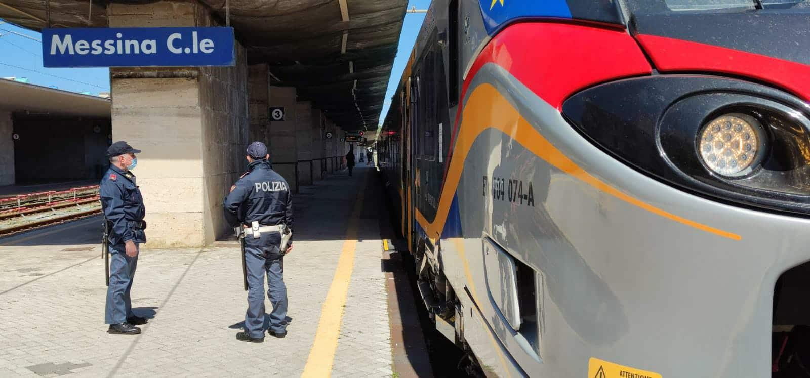 Paura alla Stazione, ragazze molestate sul tram fuggono terrorizzate in cerca di aiuto: arrestato 59enne