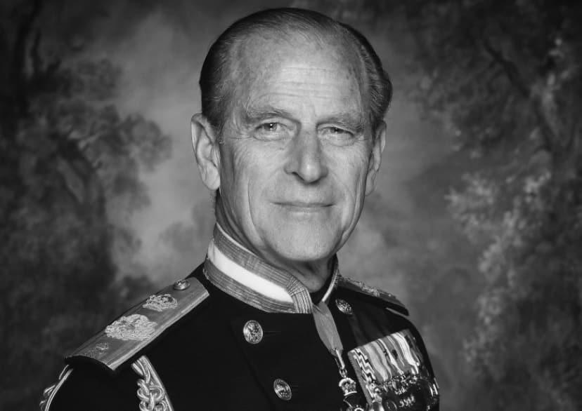 """Principe Filippo, niente funerali di Stato per il marito della regina Elisabetta II: """"Cerimonia privata"""""""
