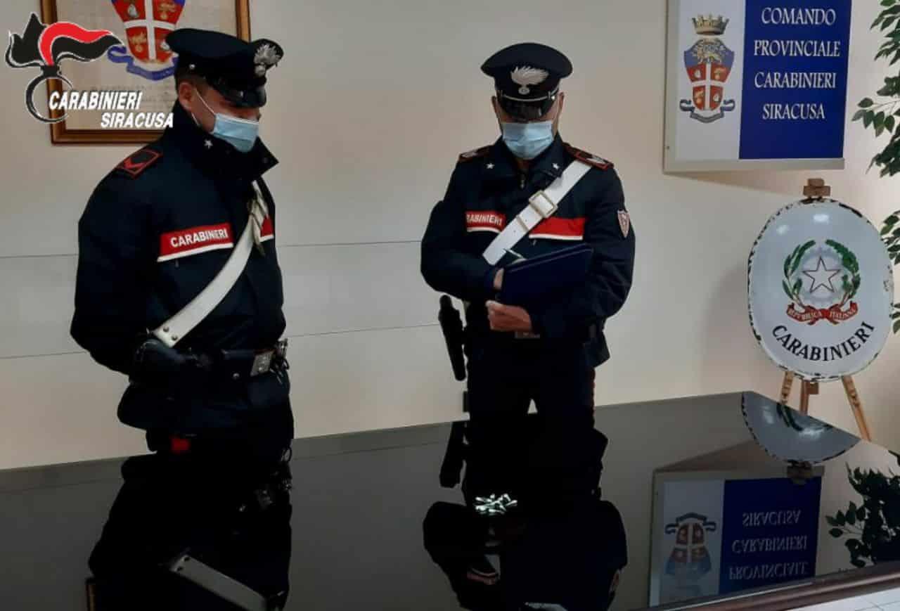 Sicilia in zona arancione, ma dopo il coprifuoco illegalità per le strade: furti di agrumi, droga e armi