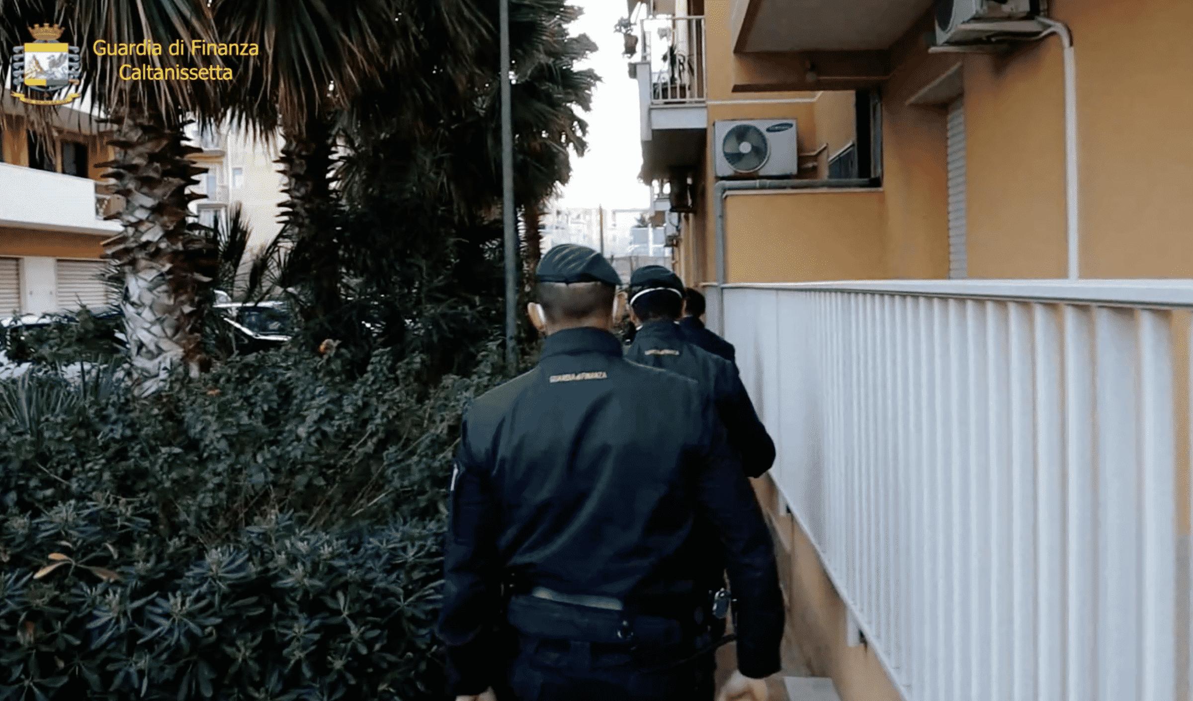 Bancarotta fraudolenta e autoriciclaggio: 8 arresti, coinvolti due catanesi – IL VIDEO