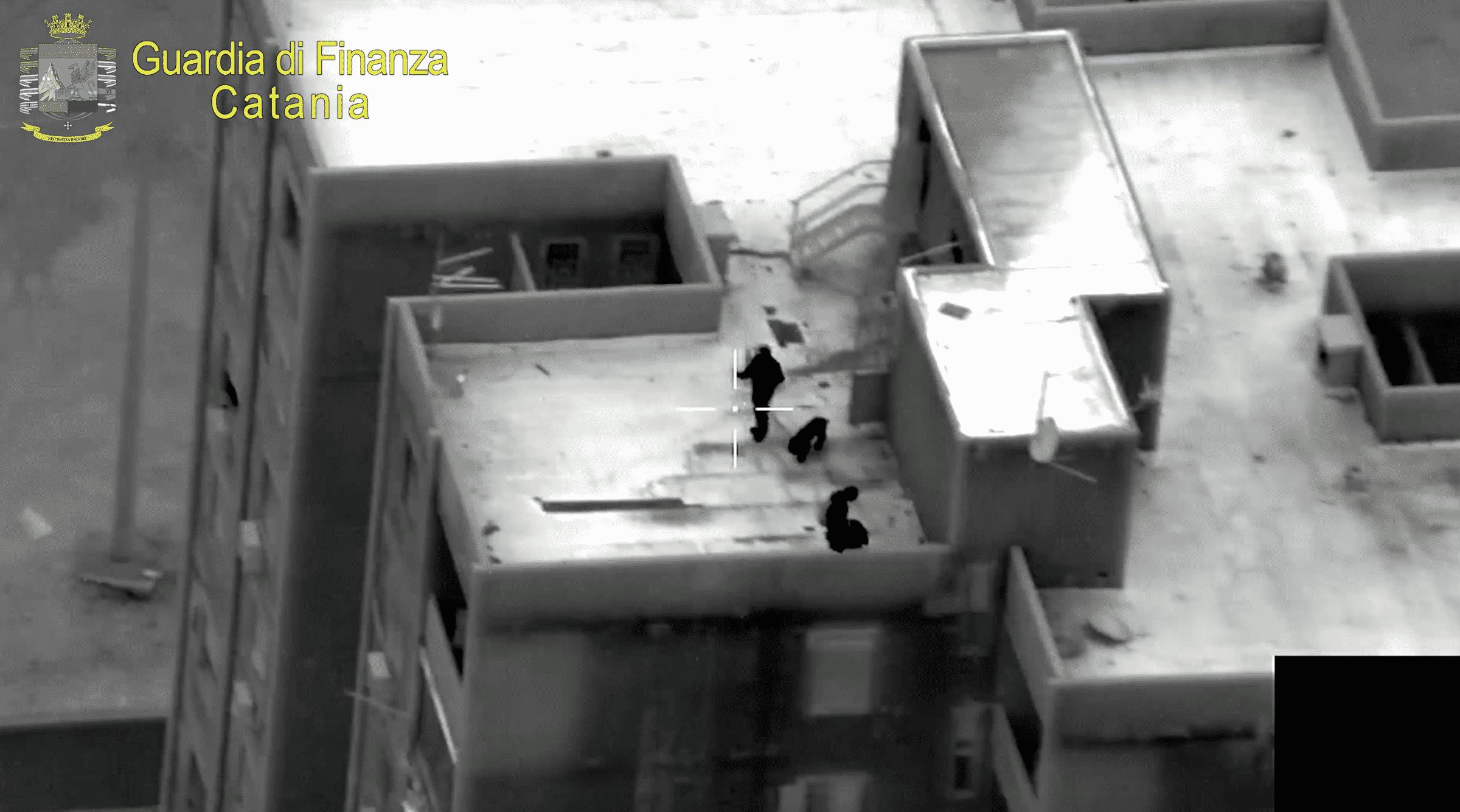 Operazione antidroga, 16 arresti in corso: stroncato traffico di stupefacenti tra Catania e il carcere di Augusta-Brucoli – IL VIDEO