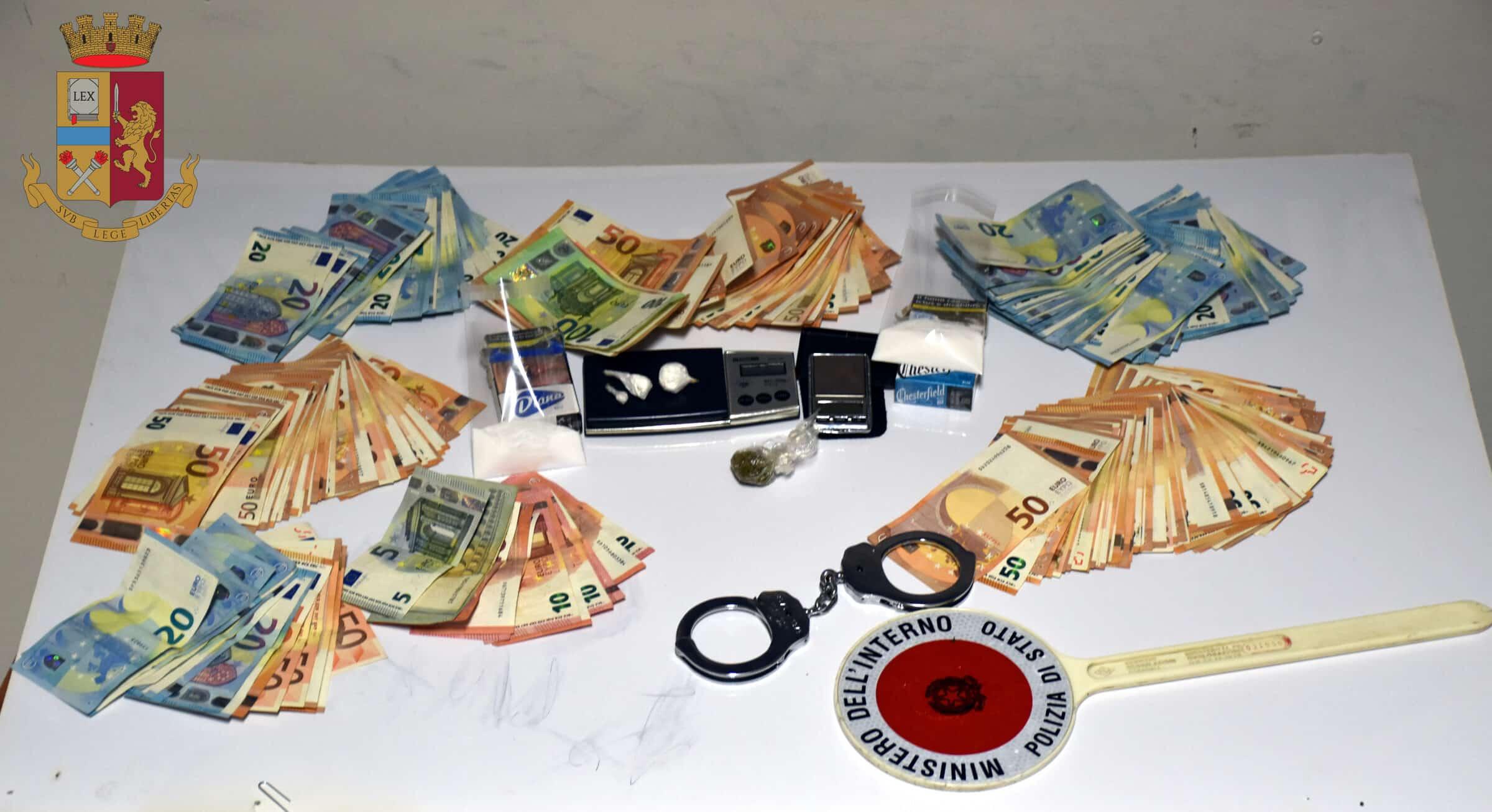 Spacciava cocaina e marijuana in periferia, 35enne finisce agli arresti domiciliari