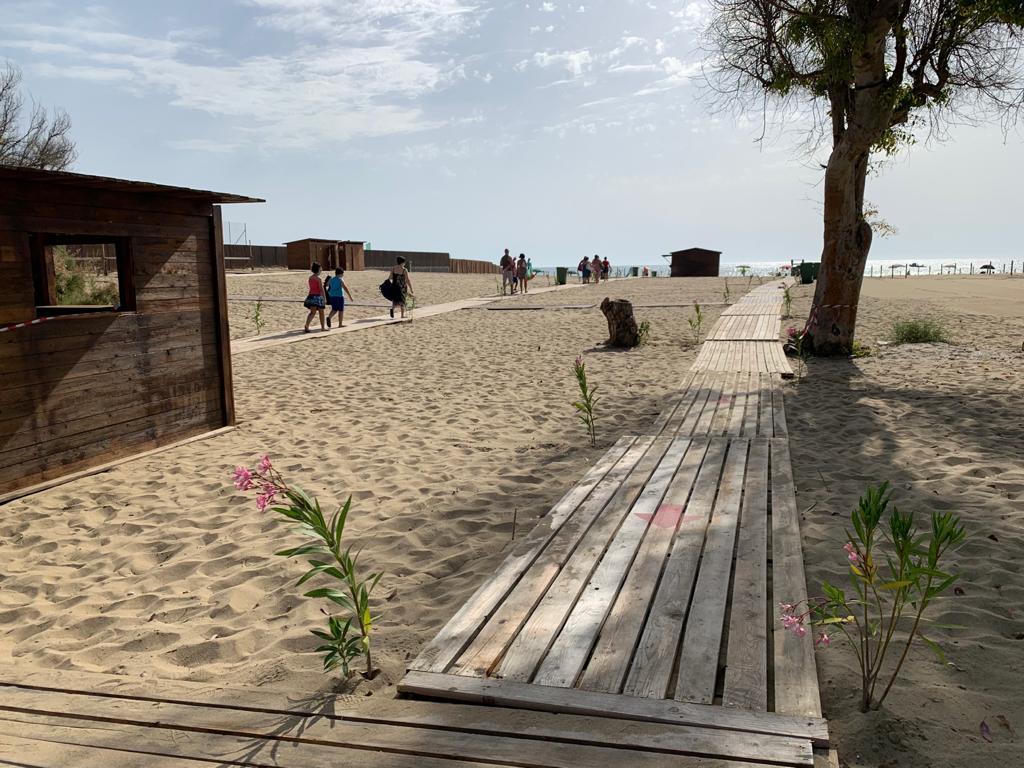 Catania, pubblicato il bando per la gestione delle spiagge libere e dei solarium: domande entro il 3 maggio