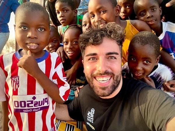 """Da Aidone in Africa, il viaggio di Gabriele verso il """"diverso"""" e le azioni di solidarietà"""