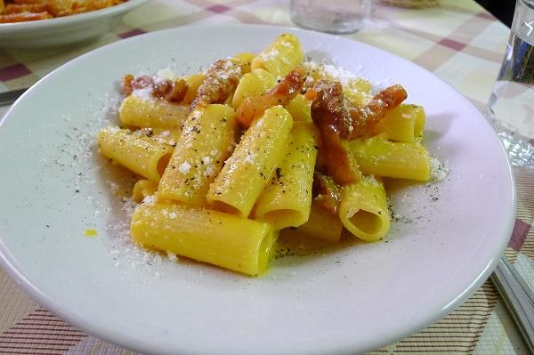 Carbonara Day, il 6 aprile è festa nella cucina italiana. Il segreto della Chef Caruso per una buona pasta