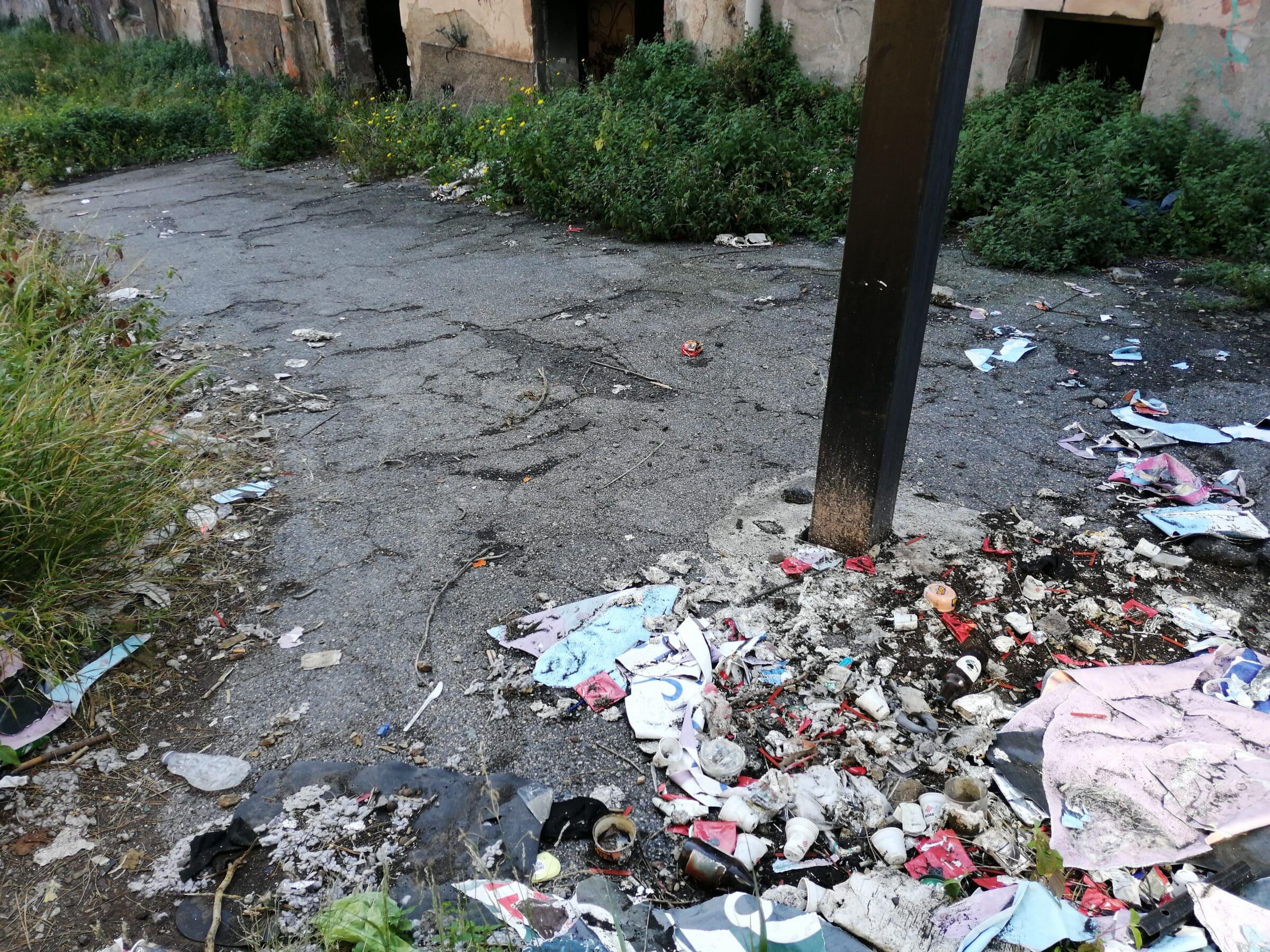 Catania, immobili abbandonati al viale Africa: le segnalazioni del consigliere Cardello