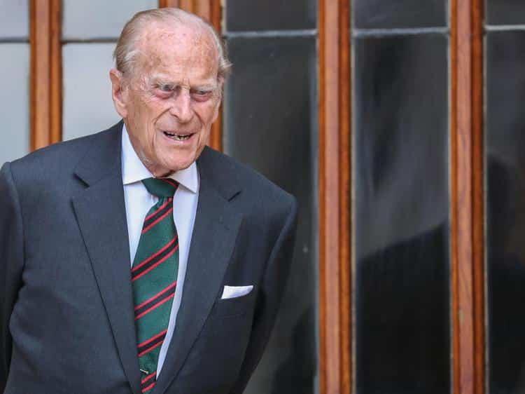È morto il principe Filippo, duca di Edimburgo: l'annuncio della regina Elisabetta II