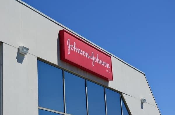 Johnson&Johnson, l'Australia dice no al vaccino americano: è simile ad AstraZeneca, niente contratto