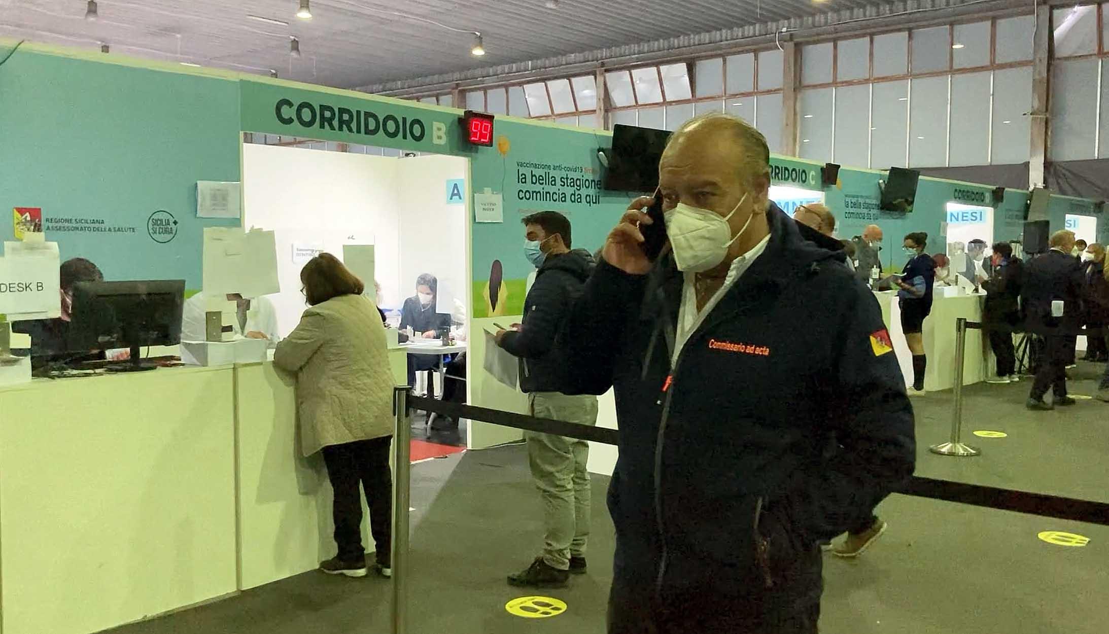 """Coronavirus Palermo, vaccinazioni straordinarie con AstraZeneca. Renato Costa: """"Avere fiducia e fare di più"""""""