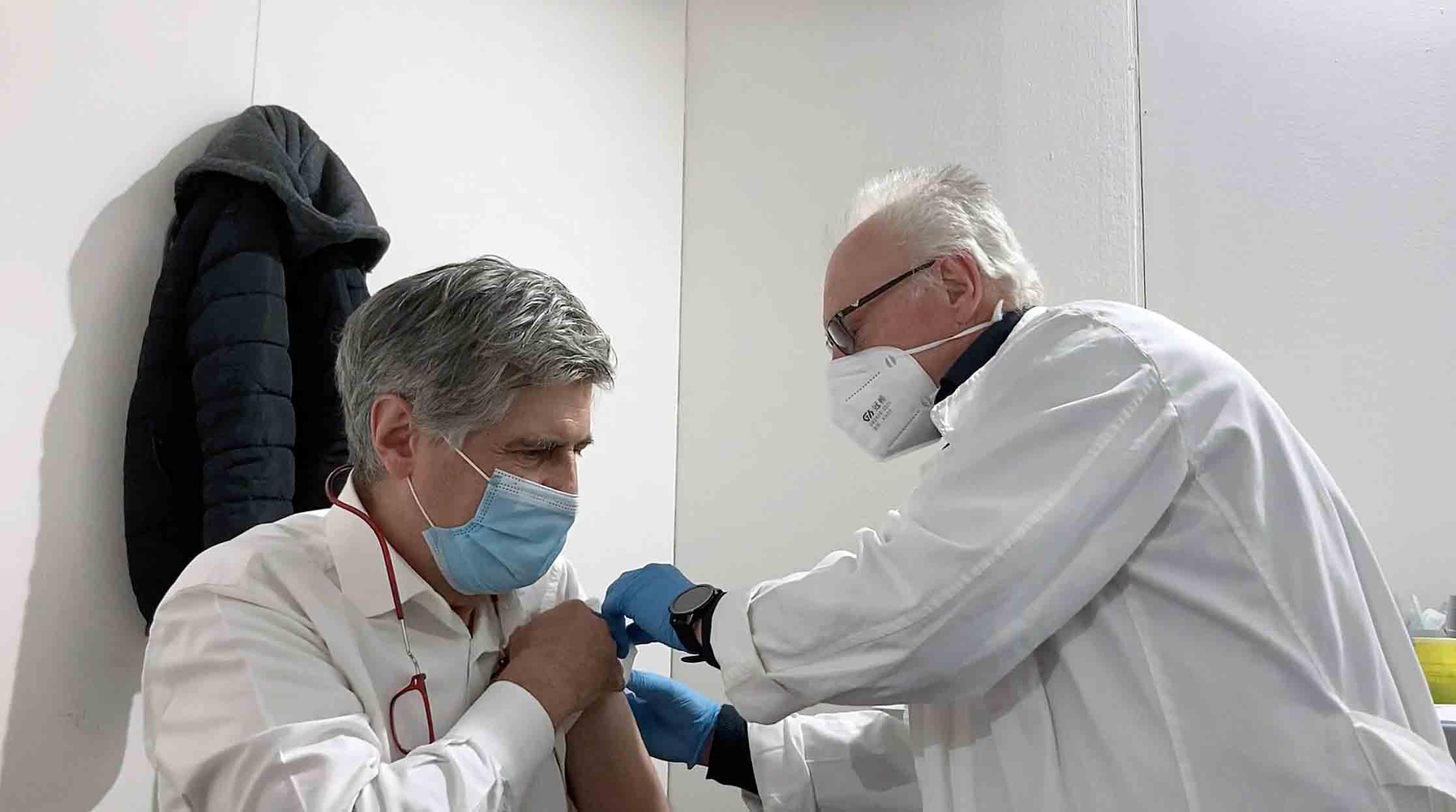 Coronavirus, imprenditore romano sceglie la Sicilia per vaccinarsi: successo dell'Open weekend