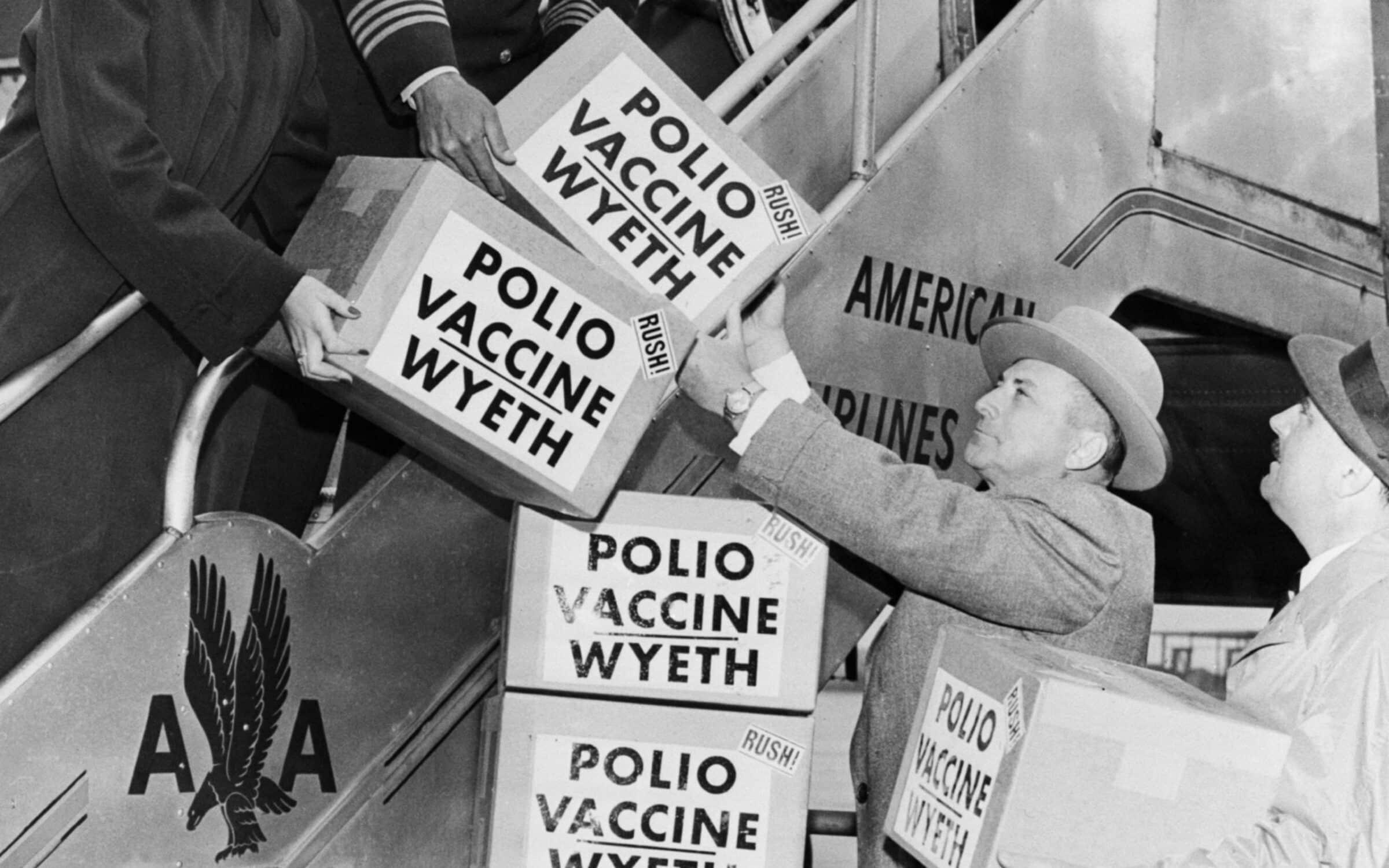 Vaccino antipolio, oggi si celebrano i 65 anni dalla sua immissione al pubblico: la sua inoculazione ha eradicato la poliomielite tipo 2