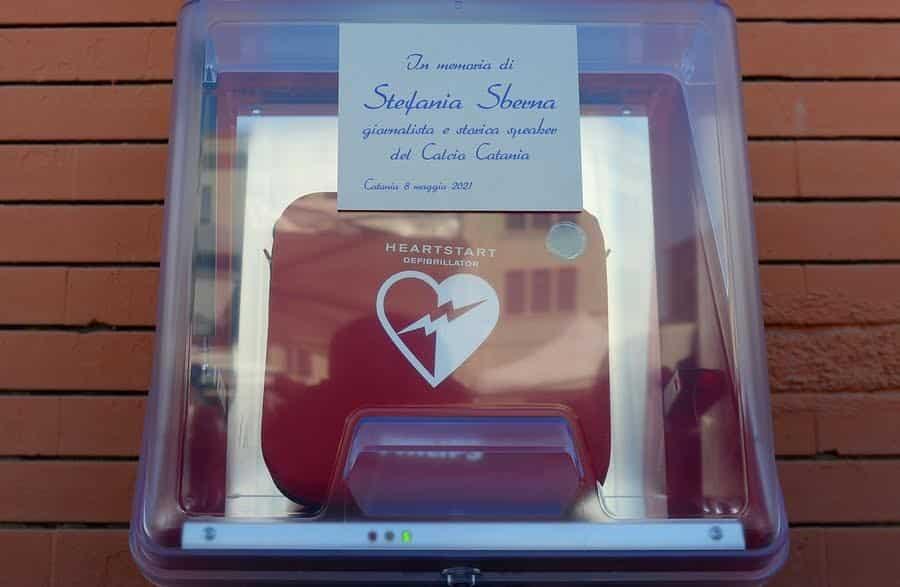 Catania, installato in piazza Spedini il defibrillatore in ricordo di Stefania Sberna