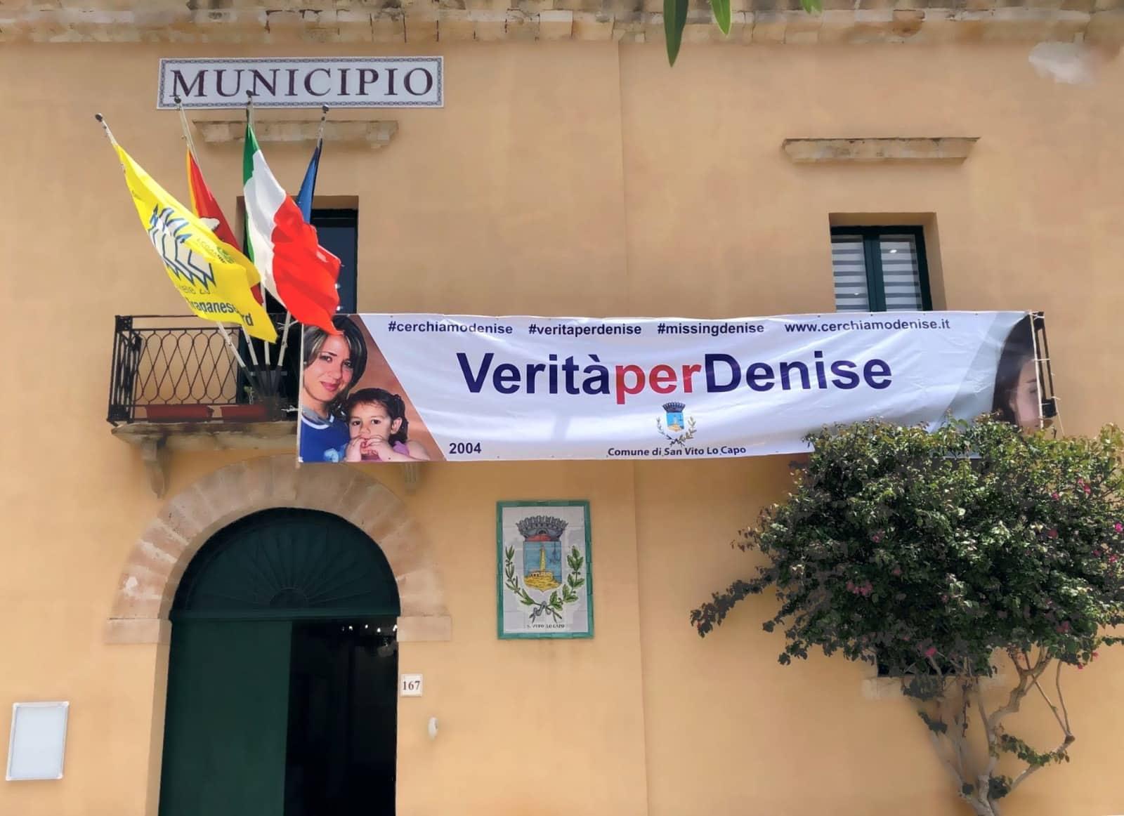 """""""Verità per Denise"""", affisso uno striscione al Comune di San Vito Lo Capo"""