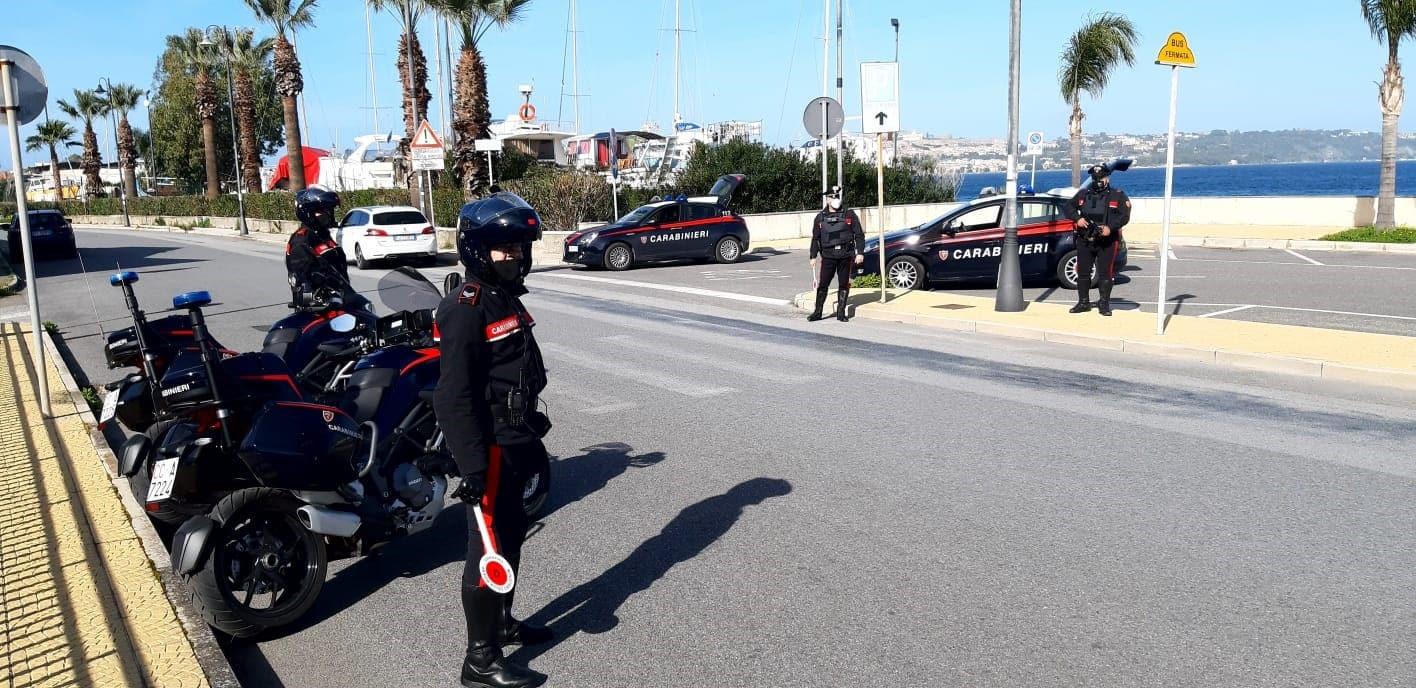 Controlli straordinari nel fine settimana, 4 denunciati e 21 sanzionati a Milazzo e nelle Isole Eolie
