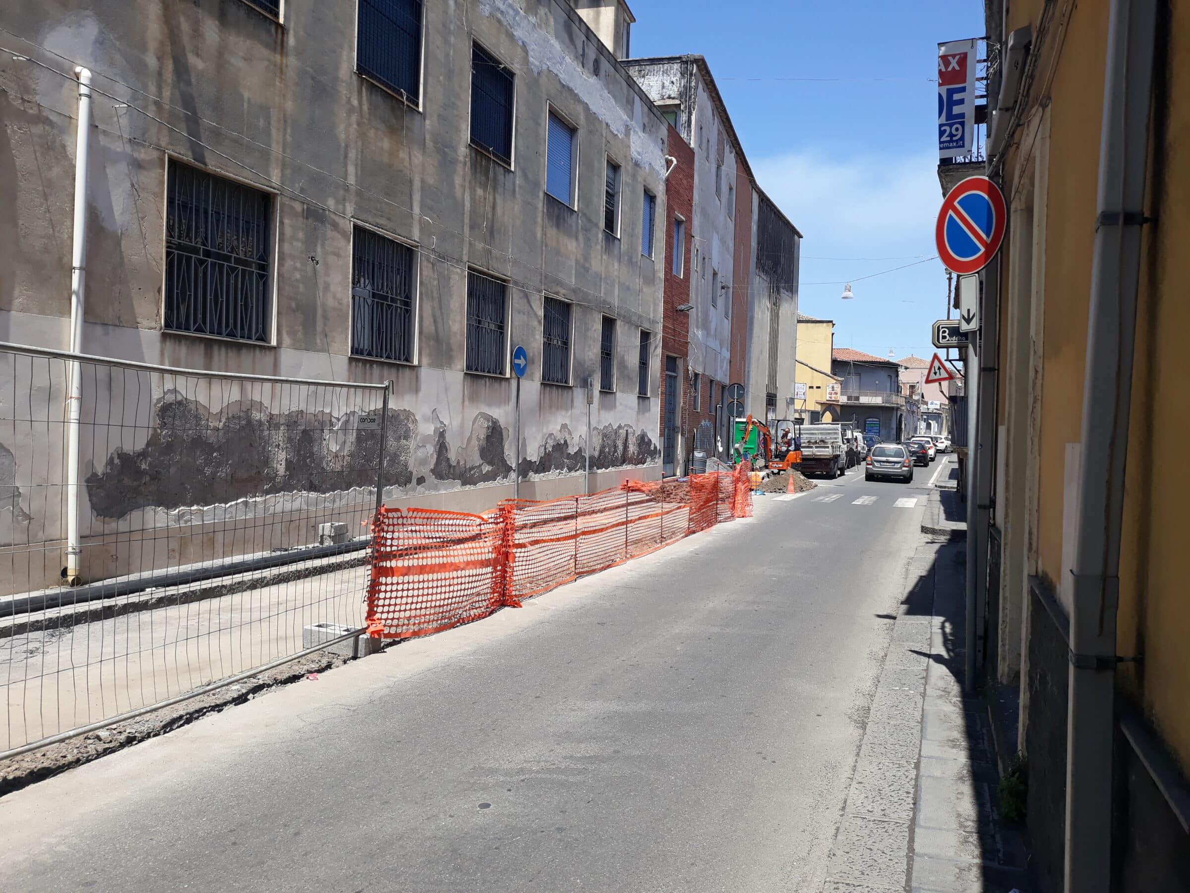 Rifacimento della rete idrica nel Catanese, Comune senza acqua e luce: i GIORNI e gli ORARI dei disservizi