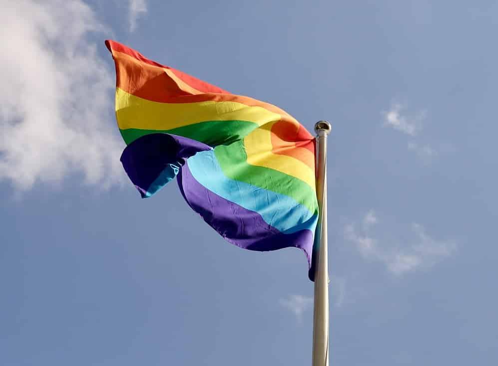Stop omofobia, la Giornata del 17 maggio dal dibattito sulla Legge Zan alla lotta contro la violenza