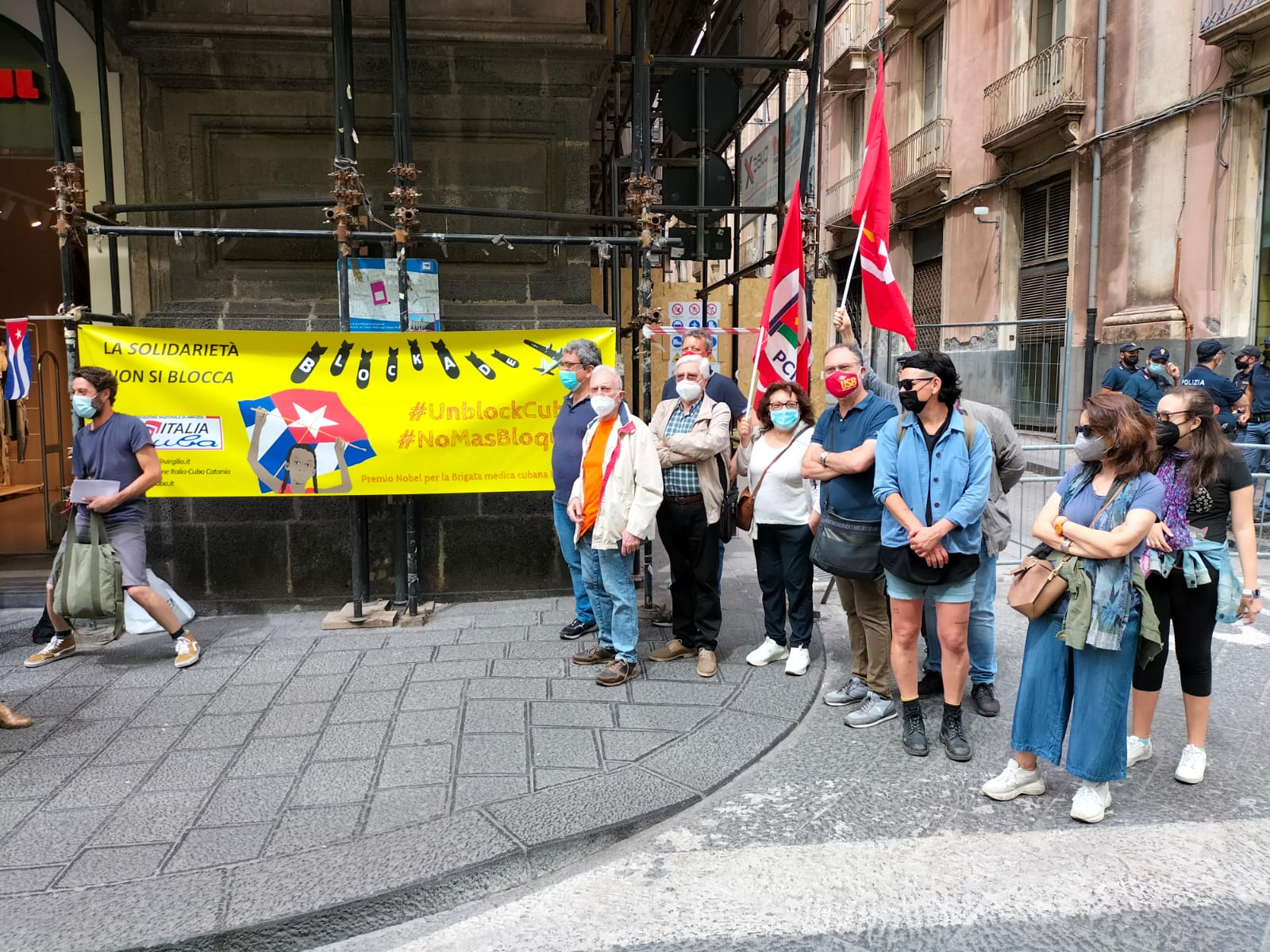 """Catania, presidio in Prefettura per dire """"Basta Blocco, Unblock Cuba"""": l'intervento di Luca Cangemi"""