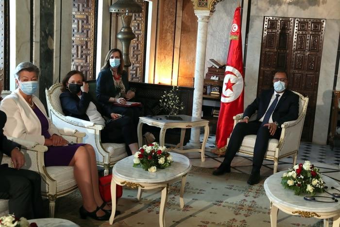 Migranti, il ministro Lamorgese in Tunisia per discutere di rimpatri e controlli dopo l'aut aut di Musumeci