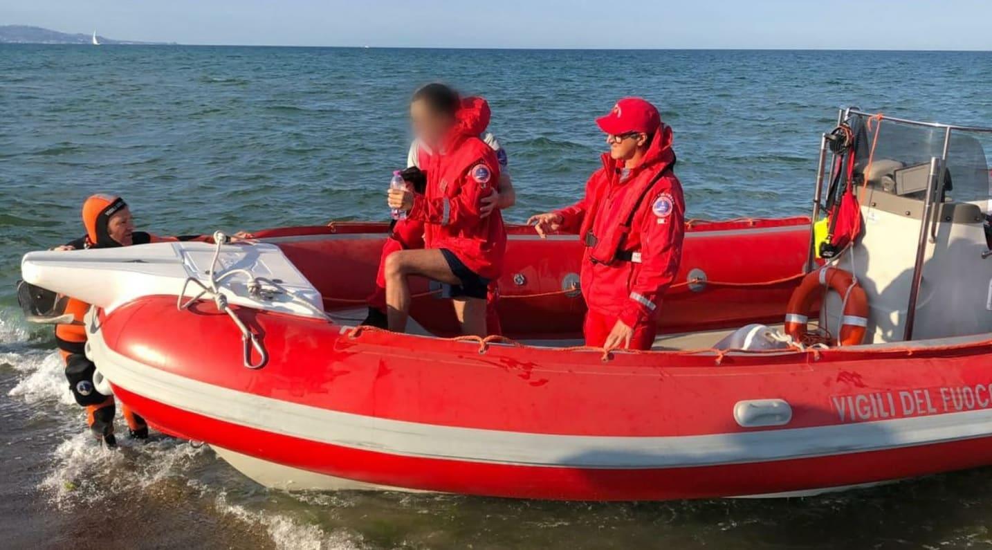 Paura alla Playa di Catania, 17enne fa perdere le proprie tracce: recuperato dai vigili del fuoco – FOTO