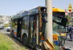 Autobus contro un palo a Librino, Amt apre un'indagine interna: aggiornamenti sui feriti gravi