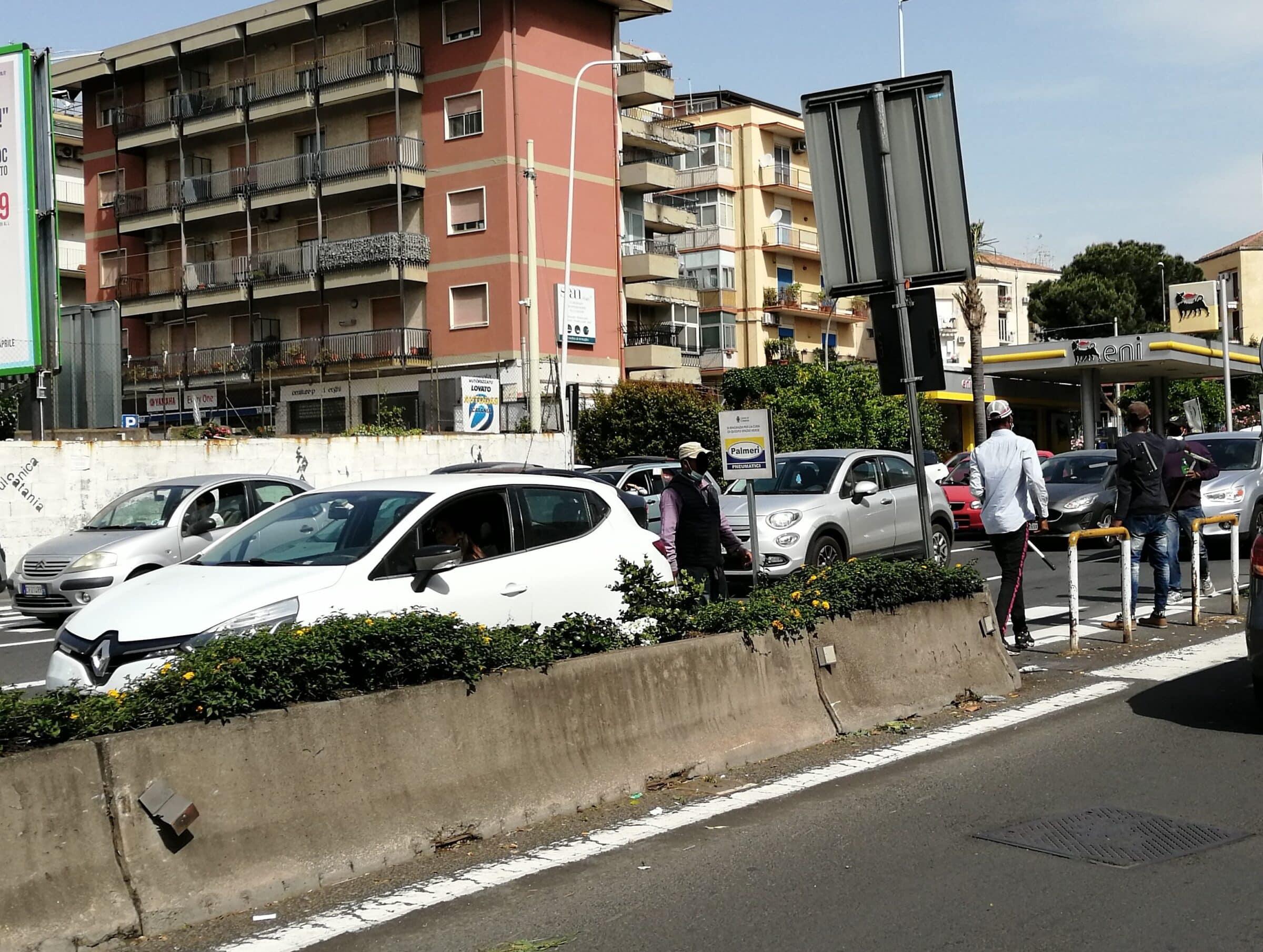 """Aggressione a lavavetri in via Vincenzo Giuffrida, il comitato Romolo Murri: """"Scoprire radice del problema"""""""