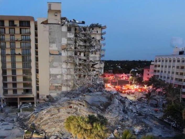 Crolla palazzo di 12 piani, in corso ricerche dei dispersi: un morto, bilancio grave destinato a salire