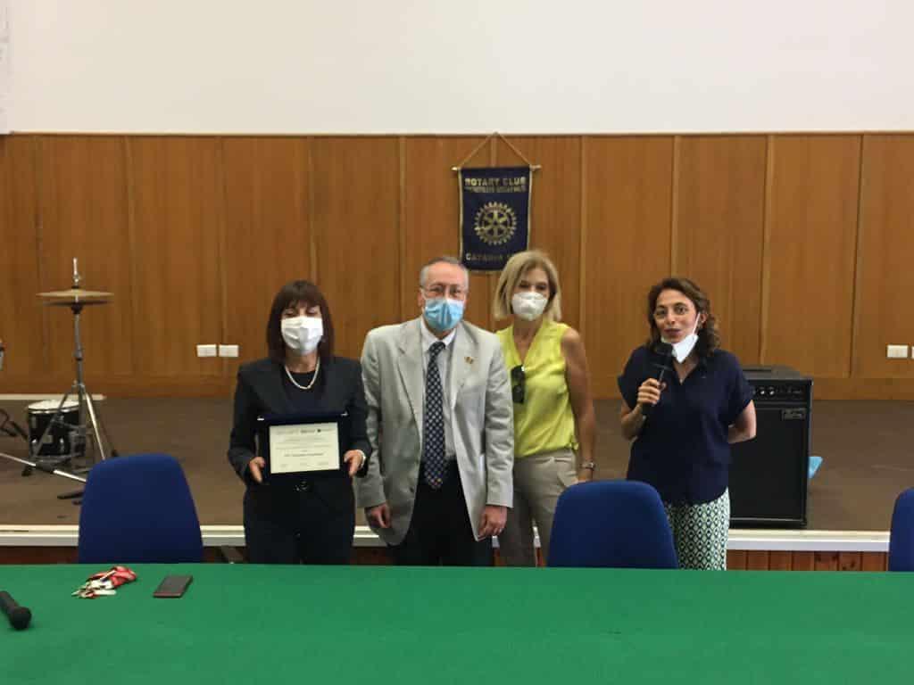 """Il Rotary Catania Sud all'ITI """"Cannizzaro"""" di Catania: insieme per superare la crisi"""
