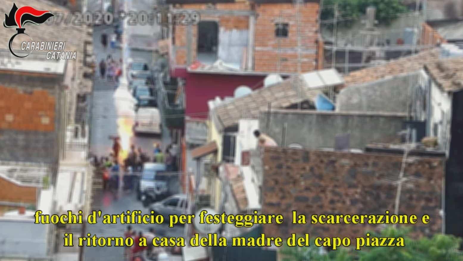 Catania, fortino della droga in via Piombai: i video su TikTok e i guadagni in mano alle donne – VIDEO e DETTAGLI