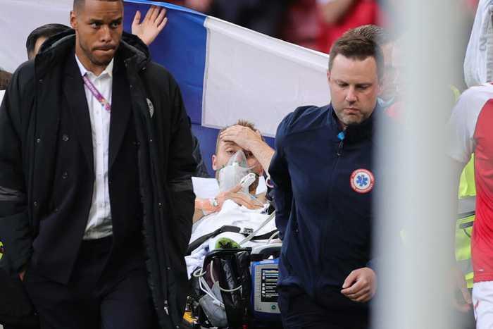 """Arresto cardiaco per Christian Eriksen, la nota dell'UEFA: """"Condizioni stabili, è in ospedale"""""""
