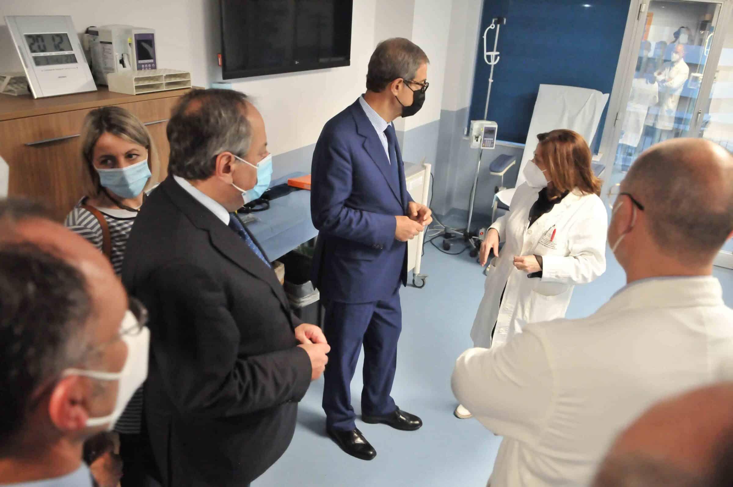 """Nello Musumeci in visita all'ospedale di Caltagirone: """"Nonostante la carenza di personale forniscono ogni servizio"""""""