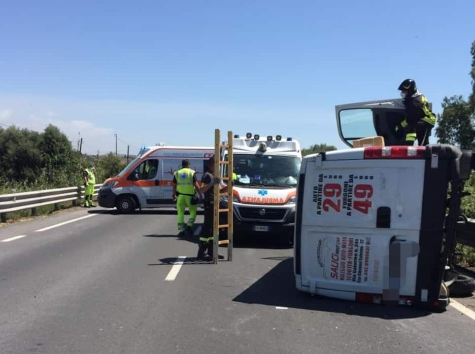 Incidente lungo la SS 417, due feriti e traffico veicolare interrotto: personale Anas e sanitari sul posto