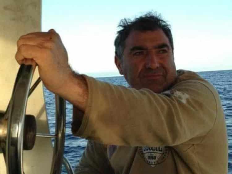 """Migranti, pescatore siciliano salva 24 vite in mare aperto ma viene multato: """"Lo rifarei altre mille volte"""""""