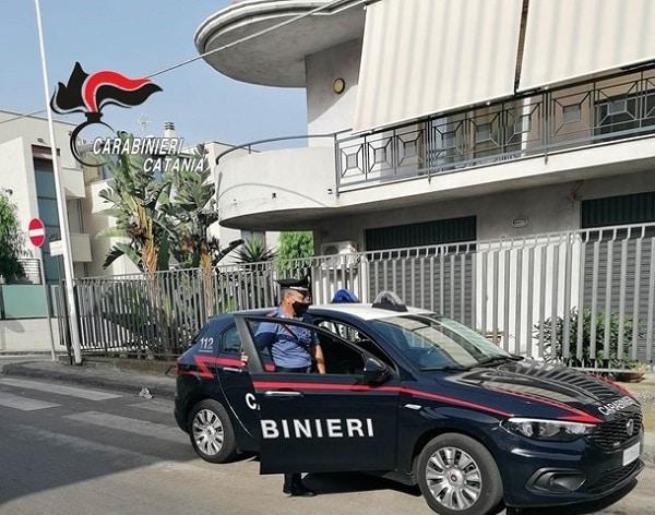 Furto aggravato nel Catanese, ladro ruba il catalizzatore da un'auto: scoperto e arrestato