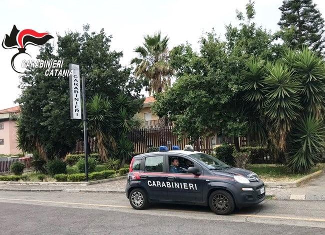 """""""Non sopporto più mia moglie"""", 35enne """"esaurito"""" evade dai domiciliari e chiede il trasferimento ai carabinieri"""